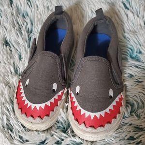 Shark slip on